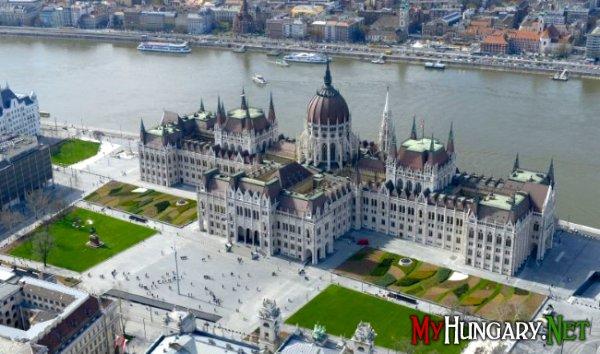 Венгерскому парламенту исполнилось 115 лет
